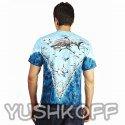 Вид сзади на футболку с акулами