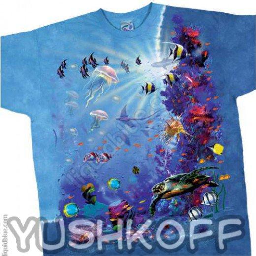 Уникальный подводным мир прямо на Вашей футболке. Не забываем надевать тапочки, кораллы довольно остры!